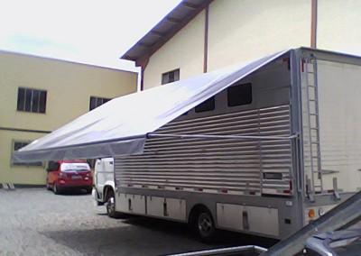 Toldo recolhível para trailer e food truck