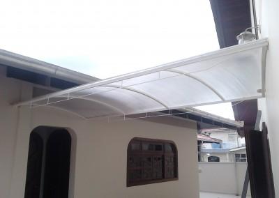 Toldo de policarbonato transparente para passarela