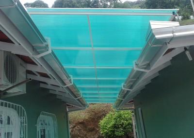 Toldo de policarbonato para passarela
